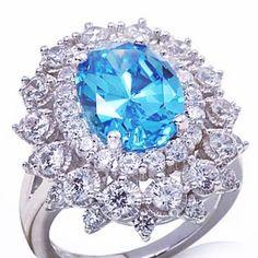 Кольцо с параиба  турмалином и бриллиантами .  #турмалин #турмалинпараиба…