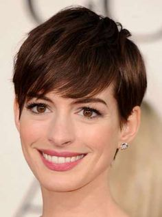 Blunt lob is one of the very good hairstyles for women above the age of forty. The first thing about this haircut is that it is very simple and the second is that looks very beautiful. For this haircut the ladies can ask their hairstylist  for equal length form all the sides and blunt ends.