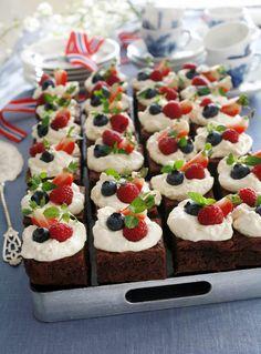 Cake Recipes, Snack Recipes, Norwegian Food, Norwegian Recipes, Dessert Buffet, Food Cakes, Let Them Eat Cake, Tapas, Delicious Desserts