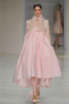 Guo Pei Spring 2016 Couture, Paris