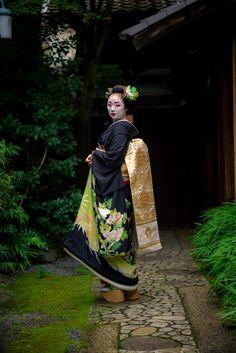maiko 舞妓 gion kobu 祇園甲部 mikako 実佳子KYOTO JAPAN