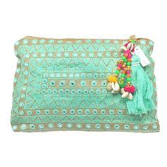 "Bolso de mano ""Mirror Bag"" de Toscana con bordado en hilo verde agua, abalorios e incrustaciones imitando cristales."