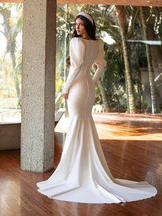 Hijab Wedding Dresses, Bridal Dresses, Wedding Gowns, Rembo Styling, Top Models, Elegant Dresses Classy, Minimal Wedding Dress, Online Galerie, Pronovias Wedding Dress