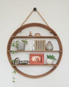 Remarkable DIY shelves and Round Shelf Designs To Adorn Your Empty Walls Wall Shelf Decor, Tree Wall Decor, Wall Shelves Design, Wall Shelving, Shelving Ideas, Futuristisches Design, Regal Design, Interior Design, Design Ideas