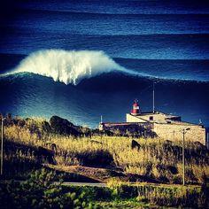 nazaré waves - Pesquisa Google