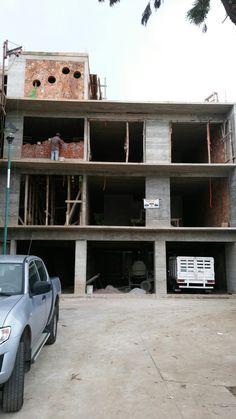 Casa 2 , calle tepic, fachada principal, concreto y tabique aparente, indeco, xalapa
