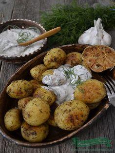 cartofi-noi-cu-sos-de-branza-pufoasa-si-marar
