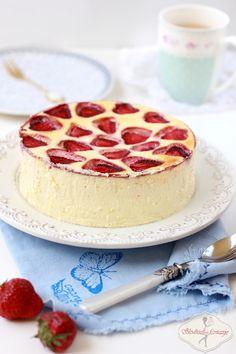 Sernik z białą czekoladą i truskawkami / Cheesecake with white chocolate and strawberries