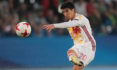Manchester United keen to sign Carlos Soler in £30m deal