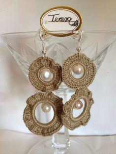 #Orecchini con cerchi rivestiti in cotone e perle di fiume. Mod. 25 Color Coc.