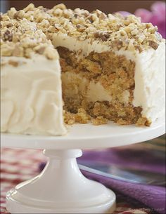 I'm in love!!! Old-Fashioned Carrot Cake with Vanilla Cream Cheese Frosting