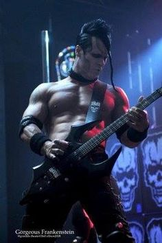 Misfit for life Music Love, Good Music, Hot Emo Boys, Danzig Misfits, Glenn Danzig, Most Beautiful People, Him Band, Frankenstein, Cool Bands