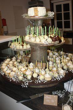 Hochzeitstorte aus cake Pops und Cupcakes Anleitung HIER