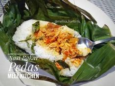 Nasi Bakar Pedas langkah memasak 5 foto Nasi Liwet, Nasi Bakar, Rice Recipes, Asian Recipes, Cooking Recipes, Ethnic Recipes, Cooking Food, Food N, Food And Drink