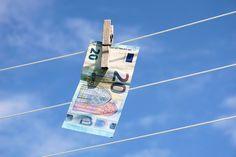 Pikalaina on kätevä tapa ratkaista yllättävä rahapula. Niitä on olemassa joka tarpeeseen – lue, mistä saat lainaa heti edullisin koroin ja mutkattomin ehdoin.