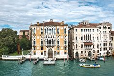 GREAT ARTICLE FORE RENTALS IN VENICE: Live like a local in the best private rentals in Venice - canal-side apartments, palazzos and villas to take over as your own