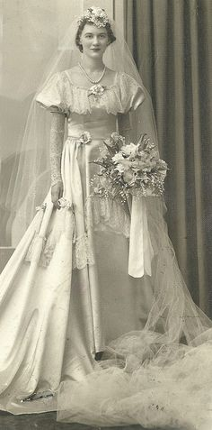 """""""Is She as TALL as She Look's"""" 😯 ~ Vintage Bridal Portrait. Notice Her Cathedral Length Veil! Wedding Attire, Wedding Bride, Wedding Day, Wedding Tips, 40s Wedding, Wedding Ceremony, Bling Wedding, Wedding Gowns, Wedding Flowers"""