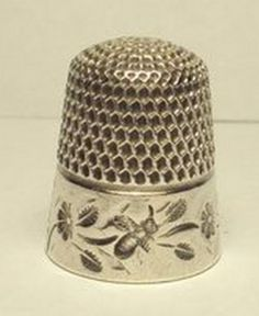 ≗ The Bee's Reverie ≗   bee thimble ~ love how the top looks like honeycomb. (From Sue)