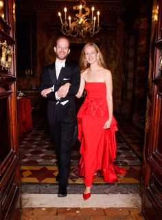 Lord and Lady (Paola) Nicholas Charles Edward Jonathan Windsor. Youngest son of the Duke and Duchess of Kent. Married as a catholic to Paola Doimi de Lupis Frakopan on 4 November 2006 in the church of St. Stephen of the Abyssinians in the Vatican. Children: -Albert Louis Phillip Edward Windsor -Leopold Ernest Augustus Geulph Windsor