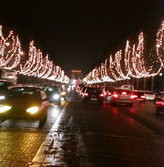Champs Elysees in 1999 by http://www.1-Paris.com   all about Paris Hotels, shops; events, thousands of photos...