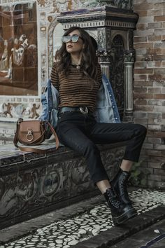 Shoes And Basics Dr. Martens, Dr Martens Jadon, Outfits Otoño, Vacation Outfits, Spring Outfits, Casual Outfits, Dr Martens Outfit, Estilo Denim, Girls Dream