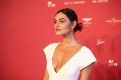 Phoebe Tonkin Photos - Phoebe Tonkin attends the inaugural Museum of Applied Arts and Sciences (MAAS) Centre for Fashion Bal at Powerhouse Museum on February 1, 2018 in Sydney, Australia. - Phoebe Tonkin Photos - 1 of 517