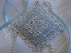 hardanger_pincushion.jpg (320×240)                                                                                                                                                      More