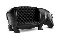 Le canapé - hippopotame de Maximo Riera, pour un salon exotique