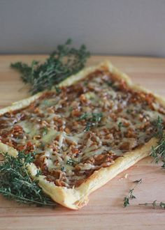 Caramelized onion, fig & Gruyere puff pastry tart with fresh thyme | Kitchen Treaty - this was amazing