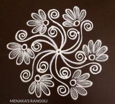 Simple Rangoli Border Designs, Simple Art Designs, Simple Flower Design, Rangoli Designs Flower, Free Hand Rangoli Design, Small Rangoli Design, Rangoli Patterns, Rangoli Designs Diwali, Rangoli Designs With Dots