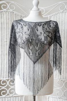 Vintage black crop lace poncho with very by VintageVanillaShop