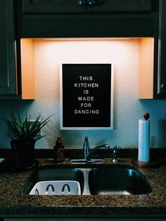 When you live in an apartment home, you may not know exactly where to start by way of decorating your place. You don't own the apartment, so you can't do whatever you like to your residence like you could if… Continue Reading → Apartment Goals, Dream Apartment, Apartment Living, Decorate Apartment, Apartment Ideas, Girl Apartment Decor, Home Design, Interior Design, College House
