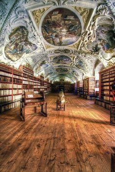 Strahov Monastery Library, Prague (Biblioteca del monasterio de Strahov. Praga by J. A. Alcaide, via Flickr)
