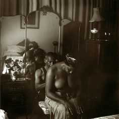 Carrie Mae Weems - The Healer from the series Dreaming in Cuba, gelatin silver print, 2002 African American Artist, American Artists, Contemporary Photography, Art Photography, Imogen Cunningham, Margaret Bourke White, Berenice Abbott, Tribal People, Gelatin Silver Print
