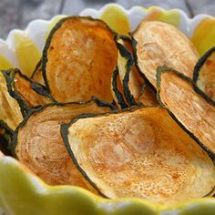 Zucchini Chips - 0 weight watcher points. Yum! Bake at 425 for 15 min.
