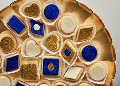 Who said cookies had to be boring? Blue and Gold Cookies! #navy #wedding