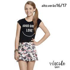 Se você também é apaixonada por cães, prepare-se para morrer de amores por esta saia com estampa de pugs todo trabalhado na fofura! 🐶❤  http://www.vinculobasic.com.br/ #vinculobasic #verao2017 #fashion #pug