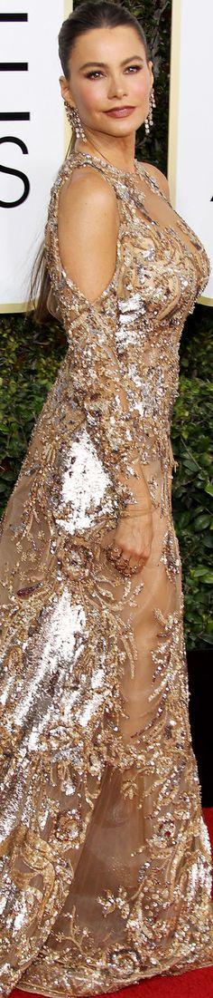 Sofia Vergara 2017 Golden Globes // Gorgeous golden dress for the Golden Globes