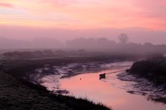 Pretty pink sunrise over the River Clyst in Topsham #sunrise #photography #topsham #devon #exeter