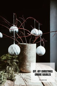 DIY CHRISTMAS OMBRE BAUBLES
