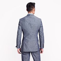 Double vents in the back are more modern and fashionable. | 27 Unspoken Suit Rules Every Man Should Know