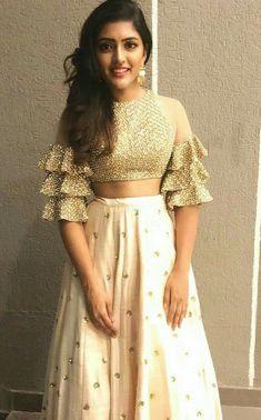 Chaniya choli Lehenga blouse de Laminate Flooring Advantages and Disadvantages Article Body: Most Am Choli Designs, Fancy Blouse Designs, Stylish Dress Designs, Saree Blouse Designs, Stylish Dresses, Latest Blouse Designs, Crop Top Designs, Indian Gowns Dresses, Indian Fashion Dresses
