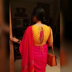 blouse designs Latest Blouse Back Designs for the Year 2018 and 2019 is Here. Go through Most Trendy and Sexy Bollywood Inspired Blouse Back Designs which will rule the Market this Seas Simple Blouse Designs, Stylish Blouse Design, Blouse Back Neck Designs, Sari Bluse, Cotton Saree Blouse Designs, Blouse Designs Catalogue, Designer Blouse Patterns, Designer Dresses, Tie Backs