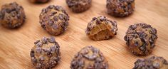 These 5-Ingredient Protein Balls Taste Like a Reese's https://www.popsugar.com/fitness/Chocolate-Peanut-Butter-Protein-Balls-40039099