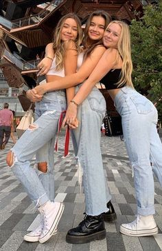 fitness poses for pictures * fitness poses for pictures ; fitness poses for pictures photo ideas ; fitness poses for pictures gym ; fitness poses for pictures photography Bff Pics, Photos Bff, Cute Friend Pictures, Family Pictures, Squad Pictures, Cute Photos, Squad Photos, Beautiful Pictures, Best Friend Fotos