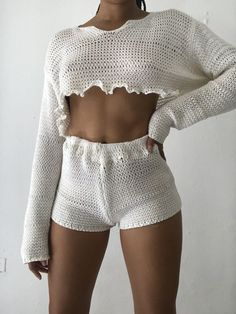 Find Your Inner Fashionista With These Tips And Tricks! – Designer Fashion Tips - Check out these womens outfits 6584 Informations About Find Your Inner Fashionista Wi - Hipster Outfits, Casual Outfits, Cute Outfits, Crochet Clothes, Diy Clothes, Look Fashion, Fashion Outfits, Fashion Tips, Mode Crochet