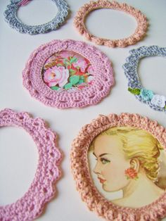 silly old suitcase: Clever crocheted photo frames