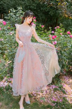 • Elegant and fashion, full of your lovely beauty; • Slim waist design combined with layered lace tulle; • Lightweight, breathable and soft high quality fabric; • Perfect for various occasions: work, dating, beach, travel… Sexy Dresses, Beautiful Casual Dresses, Party Dresses For Women, Casual Dresses For Women, Prom Dresses, Wedding Dresses, Pink Midi Dress, Bustier Dress, Fairy Prom Dress