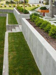 should you hire a landscape architect? - When should you hire a landscape architect? … adjust -When should you hire a landscape architect? - When should you hire a landscape architect? … adjust - 43 beautiful front yard landscape flowers in your dream 14 Back Gardens, Outdoor Gardens, Backyard Retaining Walls, Concrete Retaining Walls, Concrete Garden, Retaining Wall Steps, Retaining Wall Gardens, Cheap Retaining Wall, Building A Retaining Wall