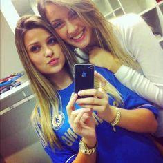 Lucas Piazon's girlfriend wearing a Chelsea FC Jersey! Chelsea Fc, Chelsea Blue, Chelsea Girls, Chelsea Football, Football Girls, Football Outfits, Football Fans, Soccer Girls, Fifa 1